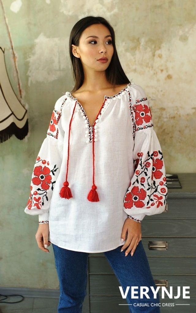 Блузка «Маки» с красно-чёрной вышивкой