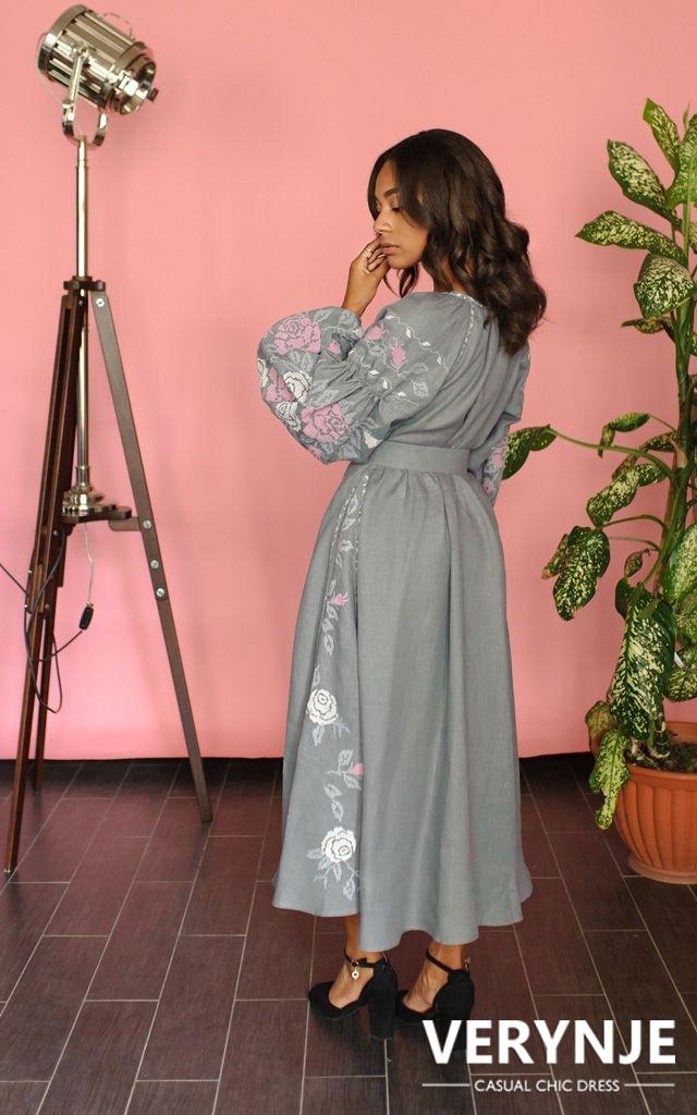 Платье «Дикая роза» серое